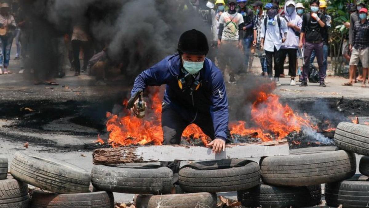 Myanmar vive una ola de protestas contra el golpe de Estado del pasado febrero.