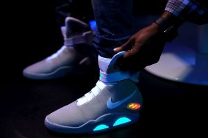 Por qué Nike decidió no proveer más sus productos a tiendas minoristas en Estados Unidos