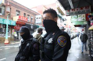 Video muestra brutal agresión en San Francisco. Auto arrastra a una mujer que se defendía de un robo