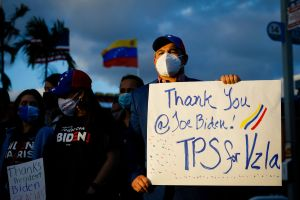 Qué deben hacer los venezolanos para acogerse al TPS brindado por Biden
