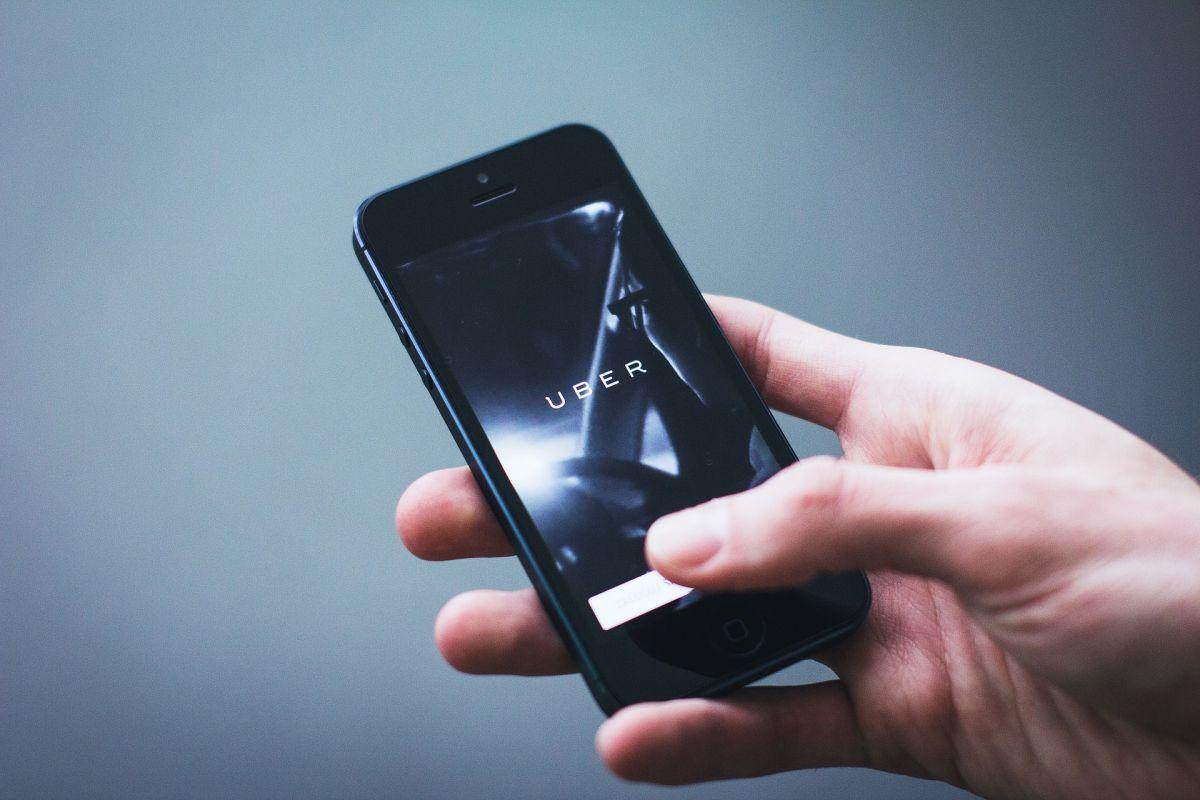 En Reino Unido los conductores de Uber serán reconocidos como trabajadores de la compañía con salario