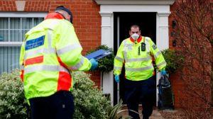 """Coronavirus: Reino Unido encuentra al """"viajero desconocido"""" contagiado con la variante brasileña de covid-19"""