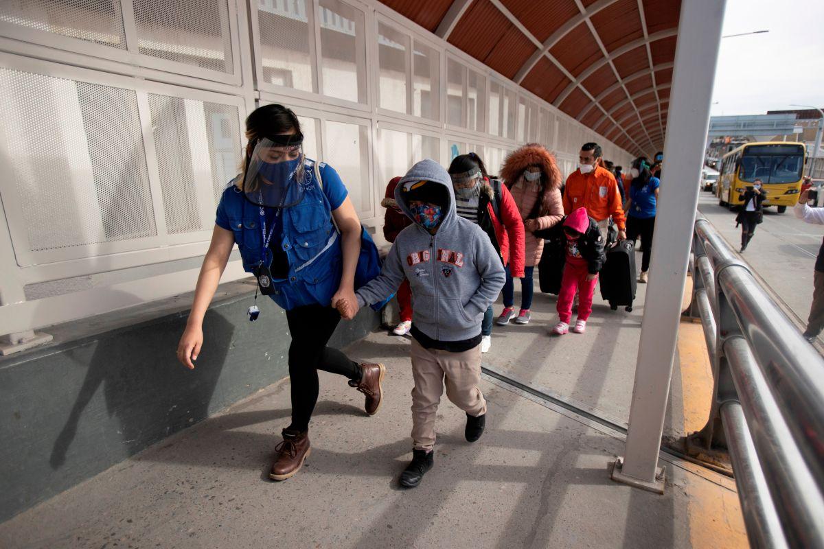 Administración Biden limitará la detención de familias inmigrantes a 72 horas
