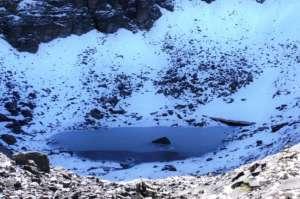 """El misterio del """"lago de los esqueletos"""" de India"""