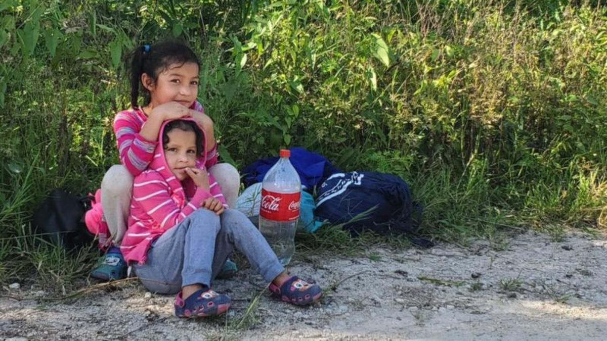 """""""Uno tiene que arriesgarse a todo"""": de viaje con los miles de migrantes que intentan llegar a EE.UU."""