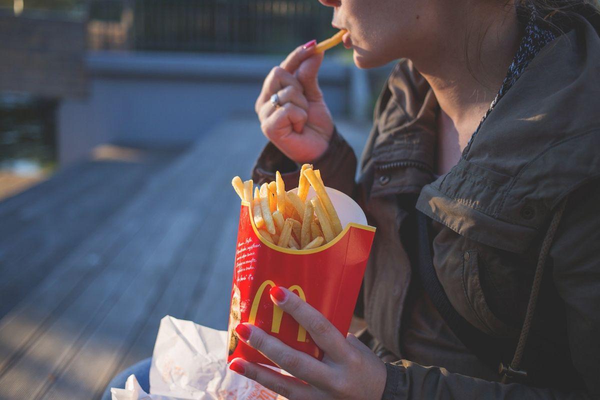 Hasta el 21 de marzo, McDonald's ofrece delivery gratuito y menús desde $3