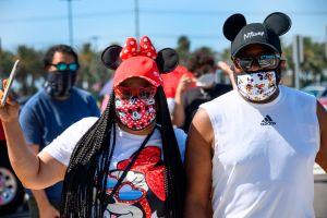 No gritar y otras restricciones que tendrán los parques de diversiones en California para su reapertura