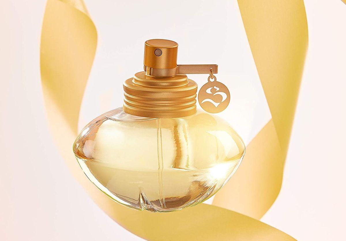 Los perfumes de Shakira son fragancias seductoras y muy femeninas.