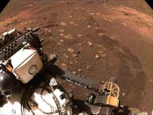 El rover Perseverance de la NASA conduce por primera vez en el terreno de Marte