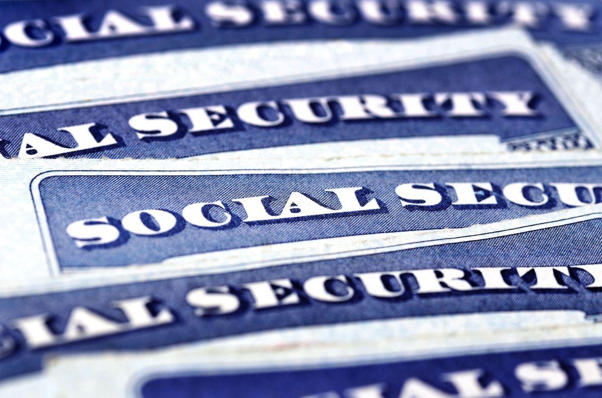 IRS liberará 30 millones de cheques de estímulo de $1,400 para beneficiarios del Seguro Social