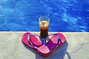 Los mejores diseños de sandalias y chanclas Ipanema que puedes usar en casa