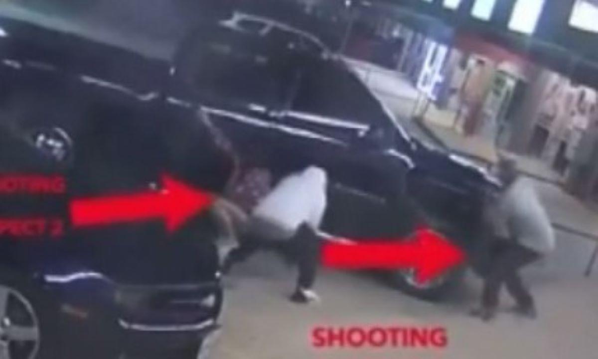 VIDEO: Se agarraron a balazos afuera de un bar en San Antonio; parecía escena de película