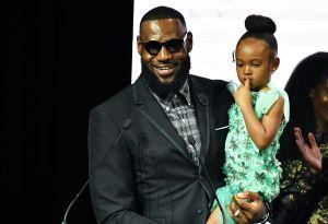 VIDEO: Los increíbles pasos de baile de la hija de LeBron James enloquecen las redes sociales