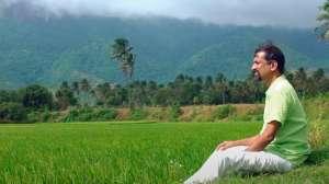 El multimillonario que dejó Silicon Valley para vivir en una aldea remota