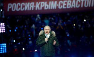 Por qué Putin pretende más asustar a Occidente que invadir Ucrania
