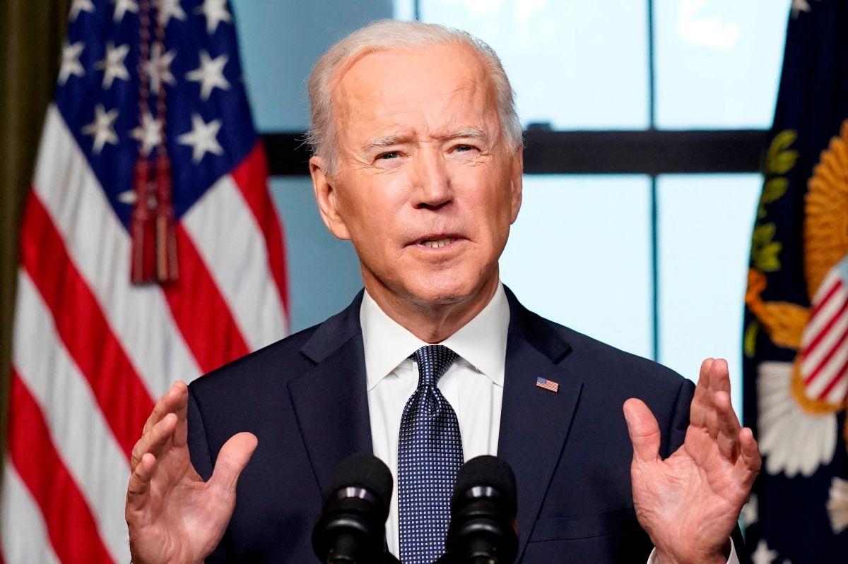 Biden advirtió que restringir el voto por correo amenaza ese derecho de todos.