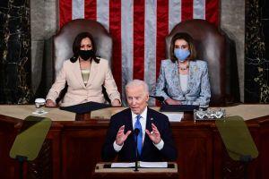 Alivia a activistas pro inmigrantes que Biden siga comprometido con reforma migratoria