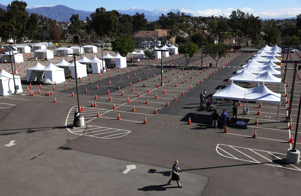 Todos los adultos de LA pueden vacunarse hasta el domingo en la Universidad del Estado de California