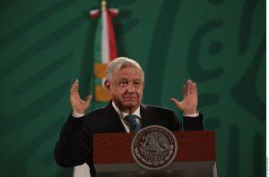 """AMLO exhorta a Congreso de EE.UU. a aprobar """"rápido"""" reforma migratoria"""