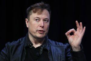 ¿Por que Musk pagó $1 millón de dólares por un auto abandonado que costó solo $100?