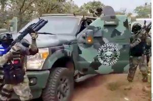 VIDEO: CJNG ataca narcolaboratorio de Cárteles Unidos presuntamente ubicado en escuela