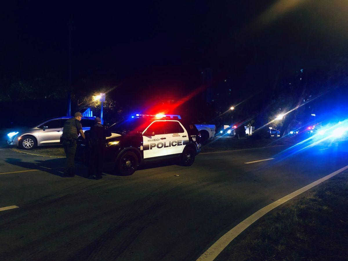 La policía de Pasadena atendió el llamado por una riña entre 20 personas.