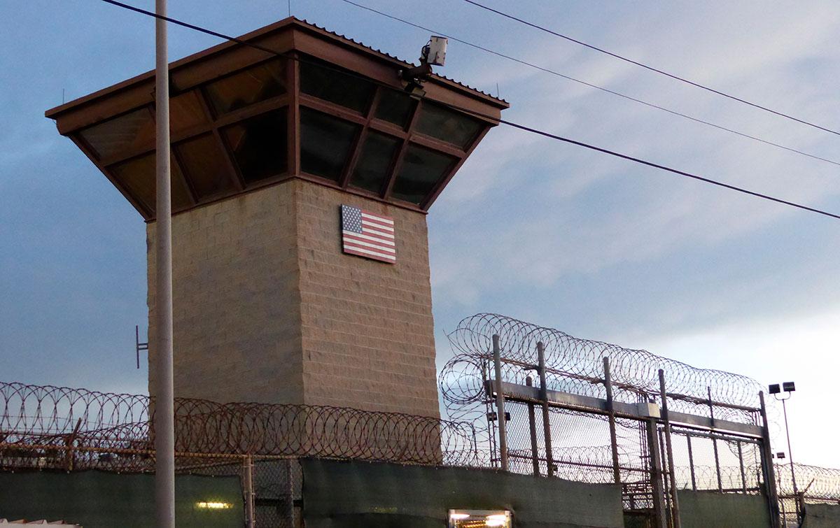 Tres reos serán trasladados fuera de la prisión de Guantánamo.