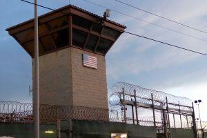 Joe Biden autoriza transferir fuera de la prisión de Guantánamo a sus tres primeros reos