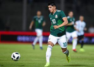 Alan Pulido asegura que cometió un error al criticar a los aficionados mexicanos