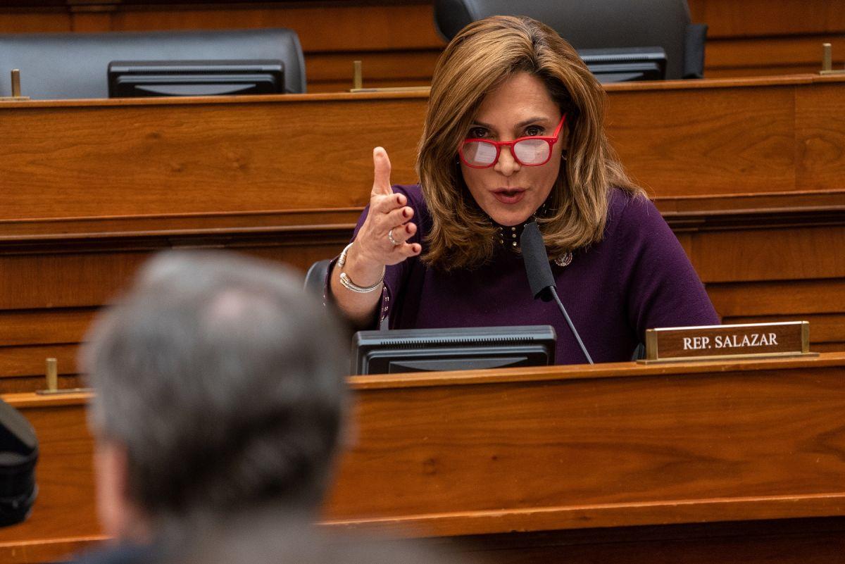 Congresista republicana latina descarta reforma migratoria en medio de crisis en la frontera