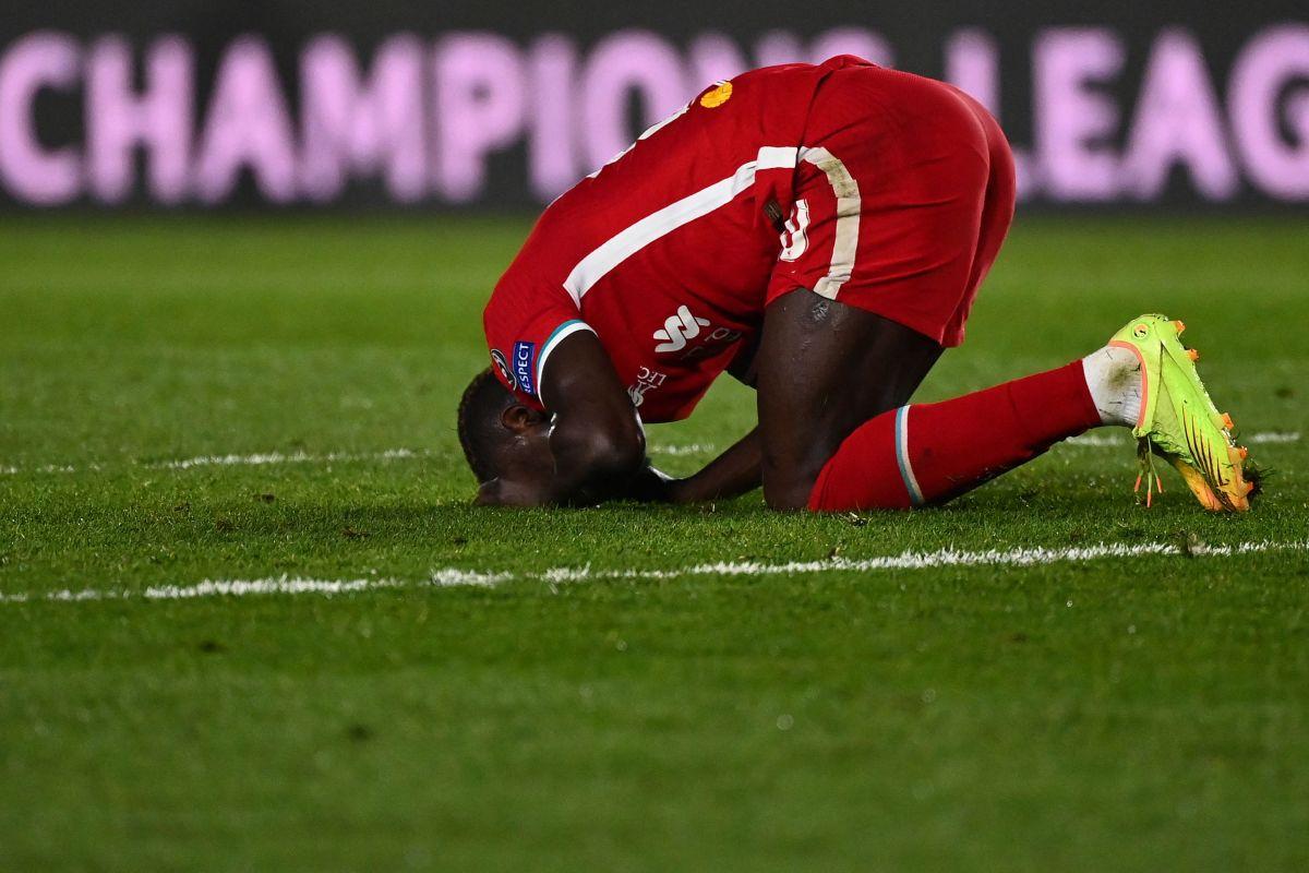 Futbolistas del Liverpool reciben insultos racistas en redes sociales