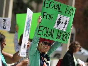 Demócratas de la Cámara aprueban un proyecto de ley para cerrar la brecha salarial de género