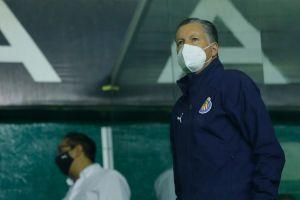 Amaury Vergara ratificó a Ricardo Peláez como director deportivo de Chivas