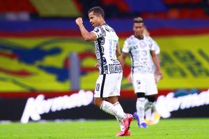 Giovani dos Santos anotó gol de la victoria para el Club América