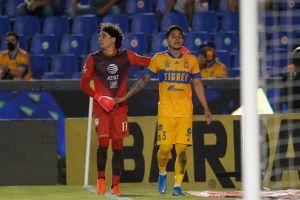Carlos Salcedo responde a la jugadora que tildó su comentario de machista