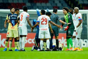Jugador del Olimpia pide disculpas por brutal entrada a Jesús López
