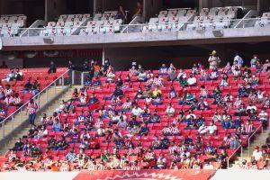 Chivas invita a aficionado que echaron del Estadio al palco para el próximo juego