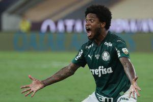Jugador brasileño se escapó de la cuarentena y atropelló a un ciclista