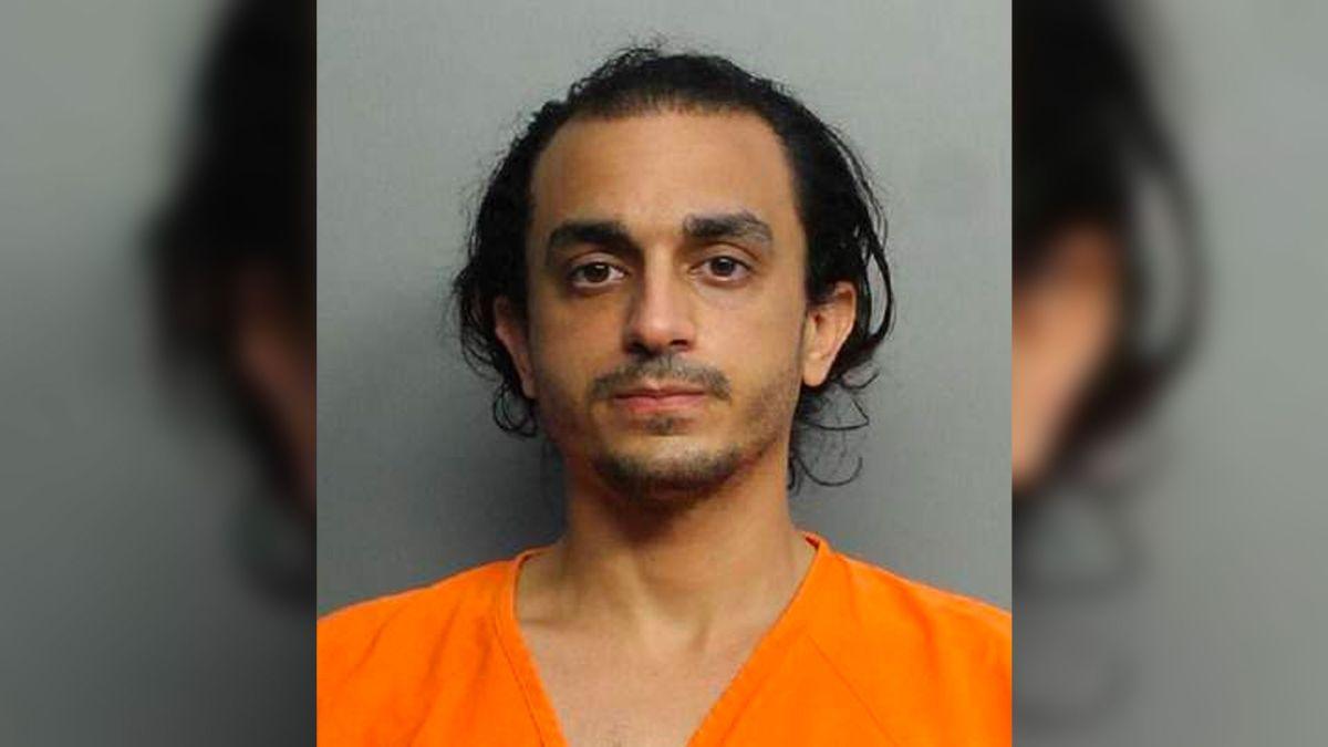 Un masajista del popular hotel Fontainebleau de Miami Beach acusado de agresión sexual a una clienta