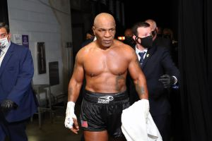 Mike Tyson aconsejó a Canelo Álvarez sobre su futuro