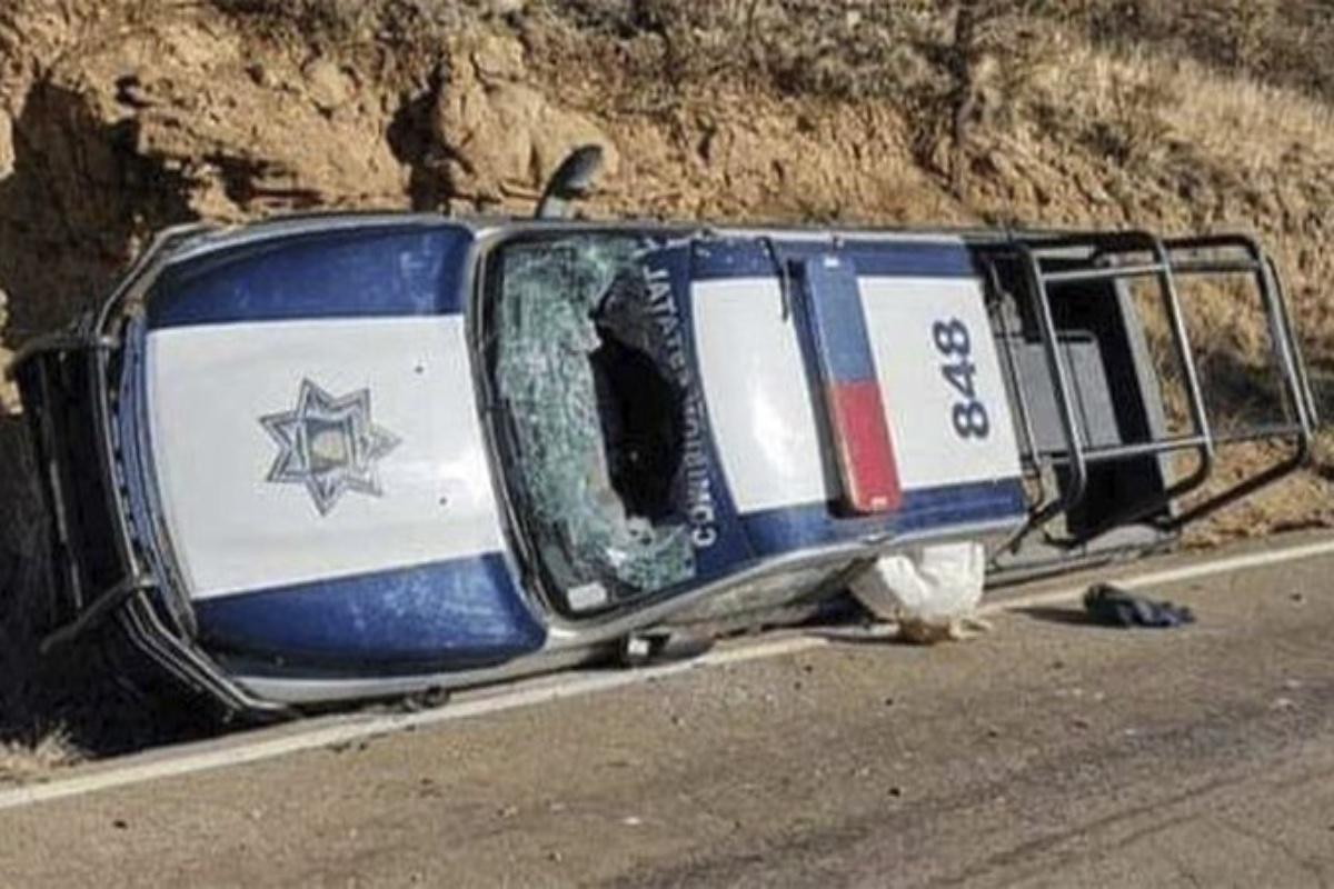 Narcos emboscan a policías, matan a 4 y dejan heridos a otros 7 cerca de la frontera