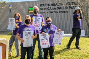 Empleados de primera línea frente al covid-19 amenazan de irse a la huelga