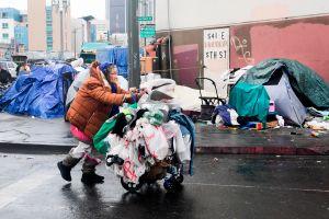 Juez ordena a ciudad y condado de Los Ángeles dar refugio a todas las personas sin hogar de Skid Row