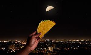 Taco Bell regalará tacos inspirado en un evento lunar: Taco Moon
