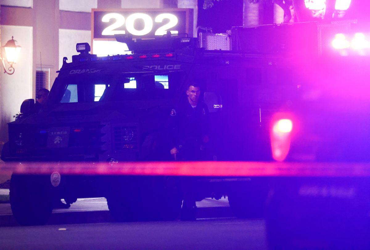 Hay un detenido por el tiroteo en Orange que acabó con la vida de cuatro personas, entre ellas un niño