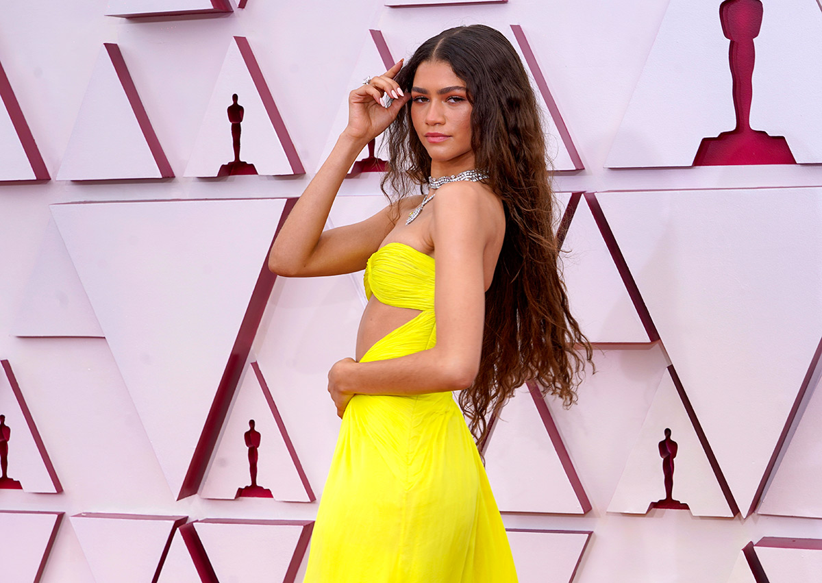 Zendaya on the red carpet at the 2021 Oscars. Photo: Chris Pizzello / Getty Images.