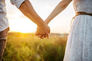 ¿Estás soltero o soltera? Los 5 amuletos más populares para atraer la buena suerte en el amor