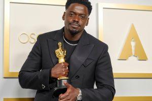 Daniel Kaluuya espera recibir una reprimenda de su madre por el discurso que dio al ganar el Oscar