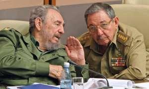 La CIA desclasifica documentos de dos intentos de asesinar a Fidel y a Raúl Castro