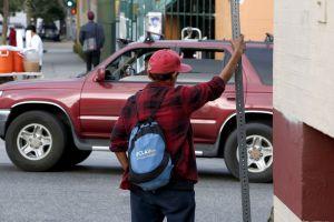 Combaten la pobreza con apoyo a los que menos tienen
